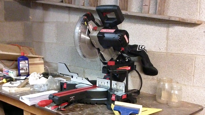 Compact 10 inch Sliding Compound Miter Saw